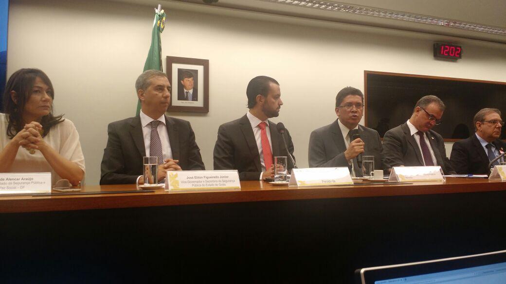 """""""Ações de Prevenção e Repressão à Criminalidade"""" é tema de debate entre Secretários de Segurança Pública do país em Brasília"""