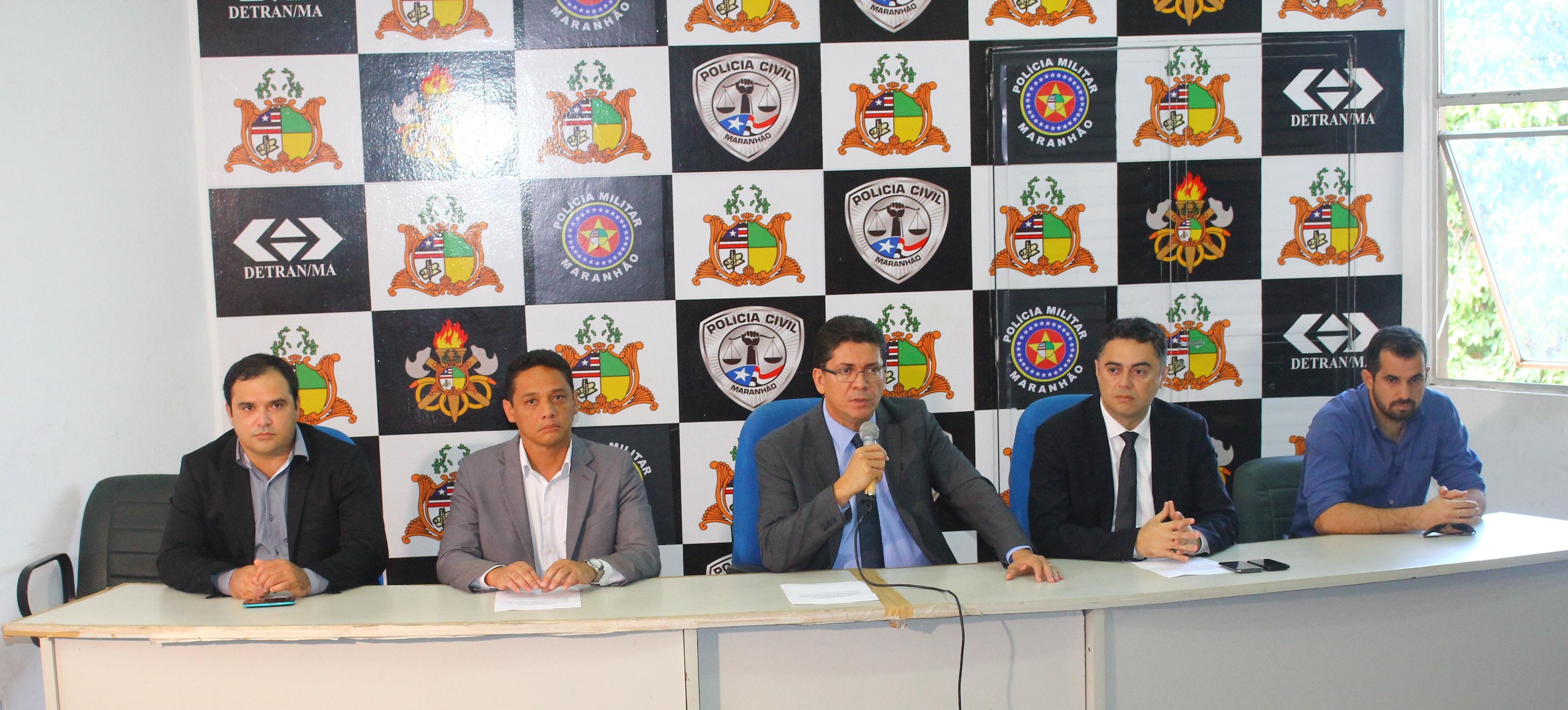Polícia Civil prende dois acusados de tráfico de drogas e apreende 180kg de entorpecentes na capital