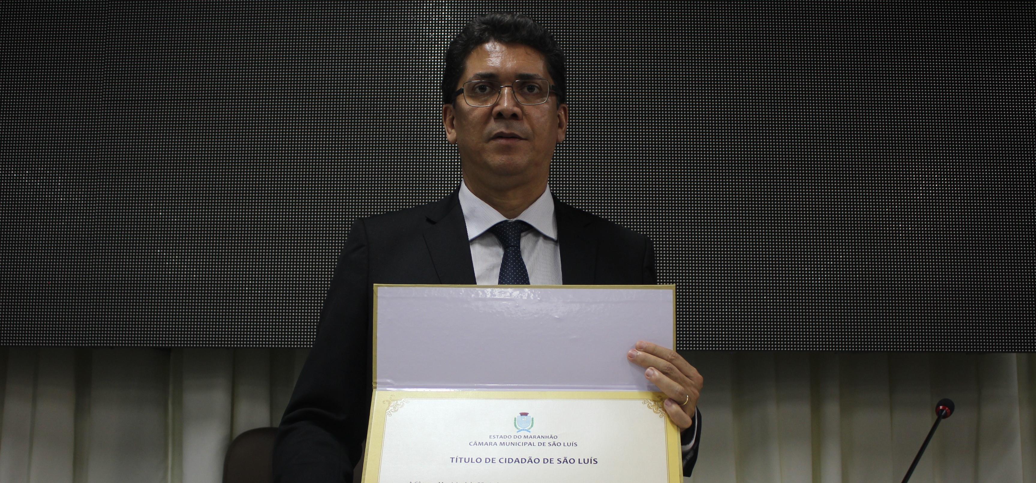 Secretário Jefferson Portela recebe título de cidadão ludovicense