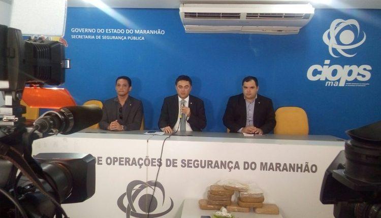 Polícia Civil prende três pessoas e apreende cerca de 12 tabletes de entorpecentes, avaliados em 200 mil reais