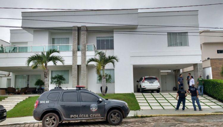 """CONDOMÍNIO DE LUXO É ALVO DE OPERAÇÃO DA POLÍCIA CIVIL POR """" GATO"""" DE ENERGIA EM SÃO LUÍS"""