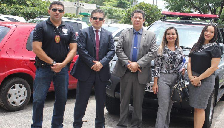 SECRETÁRIO ADJUNTO DE SEGURANÇA PÚBLICA ENTREGA VIATURA POLICIAL PARA SÃO JOSÉ DE RIBAMAR