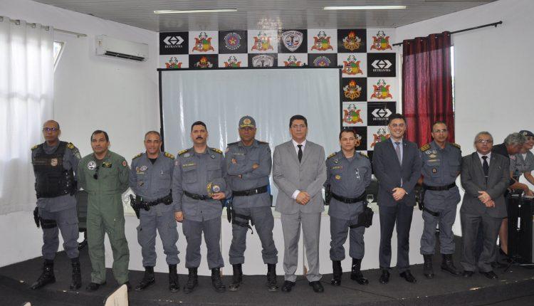 Delegado Geral, o Secretário de Segurança e o Comandante da PM participaram da troca de comando do 9º BPM