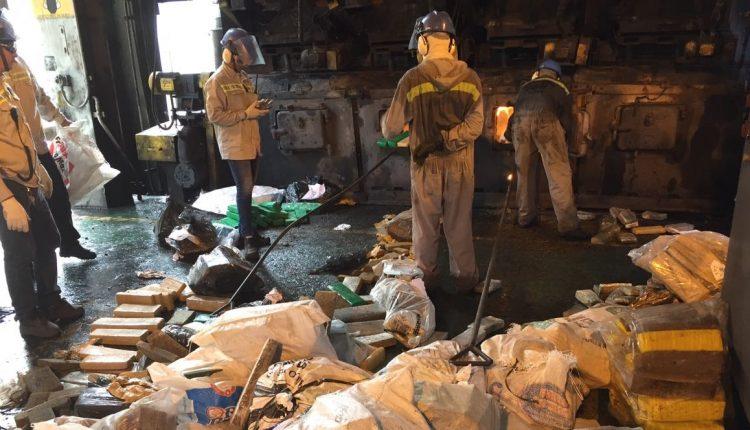 Polícia Civil realiza a maior incineração de entorpecentes, 4.1 toneladas, avaliadas em 10 milhões de reais