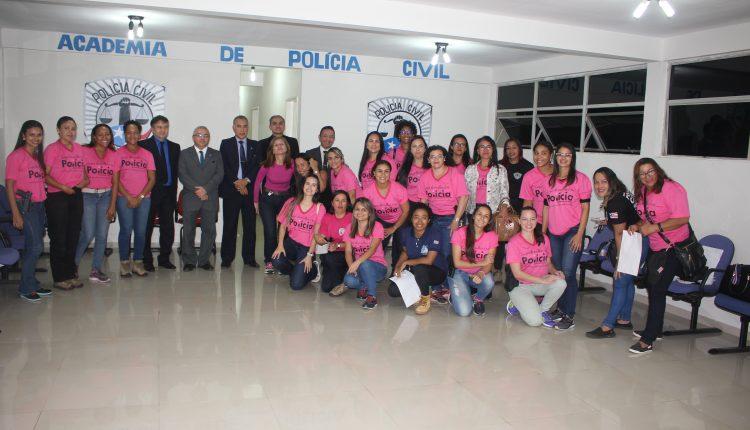RECAPACITAÇÃO CERTIFICA 42 POLICIAIS CIVIS DO SEXO FEMININO NA ACADEPOL