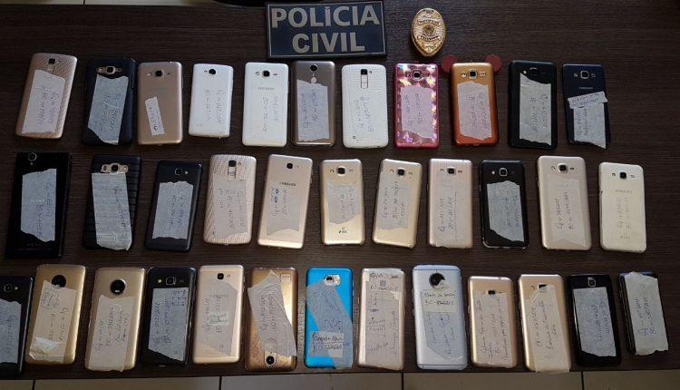 POLÍCIA CIVIL REALIZA A ENTREGA DE 30 APARELHOS CELULARES QUE FORAM ROUBADOS EM BARRA DO CORDA