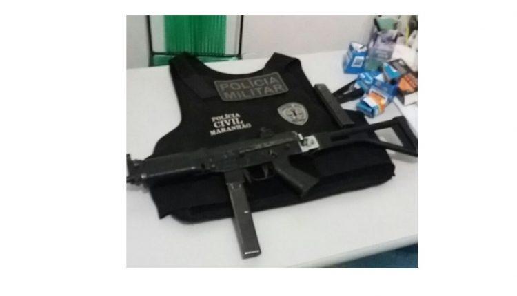 Ação conjunta entre as policiais civil e militar recupera metralhadora e colete balístico em Pirapemas