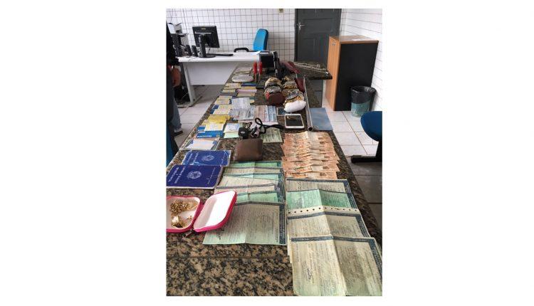 Suspeito de agiotagem é preso com cartões, armas de fogo e cheques em Santa Luzia do Maranhão
